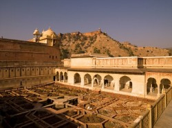 Amber Fort and Palace 琥珀堡