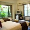 pic2-bedroom.jpg